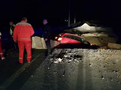 Vozač je ispričao da nije bilo nikavog obeležja da put nije otovren za saobraćaj