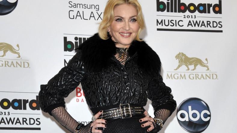 """Madonnę na gali """"Billboardu"""" powitano owacją na stojąco"""