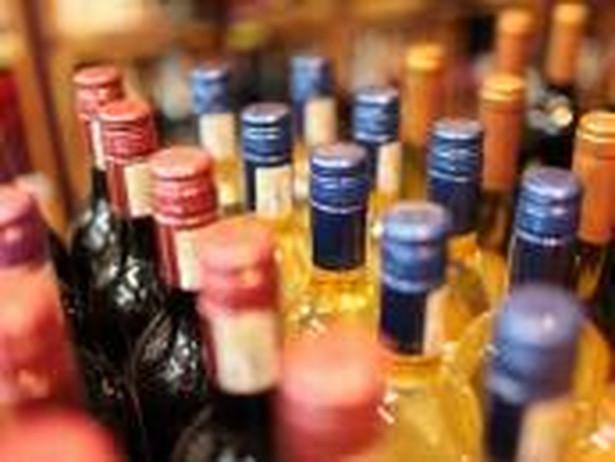 Chodziło o napoje alkoholowe, które jedna firma miała przechowywać dla drugiej w swoim magazynie