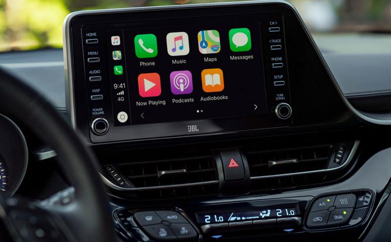 Toyota C-HR zyskała multimedia rodem z Corolli. To gwarancja lepszego brzmienia i szybszej łączności