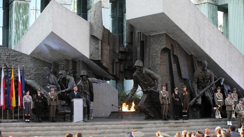 Apel Pamięci przy Pomniku Powstania Warszawskiego