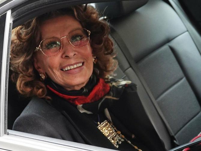 Sofija priredila spektakl u Meksiku: U 83. godini izgleda potpuno NEREALNO