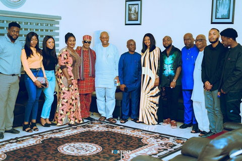 Davido's family meets Chioma's website