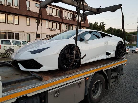 Automobil kojeg je odneo pauk
