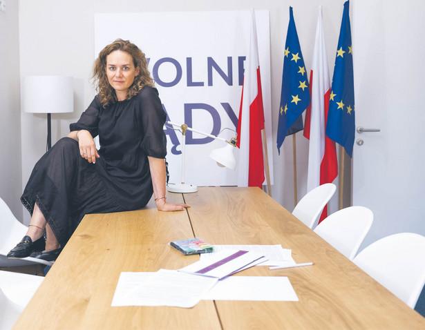 Maria Ejchart-Dubois prawniczka, współzałożycielka inicjatywy Wolne Sądy, prezeska Stowarzyszenia im. Prof. Zbigniewa Hołdy
