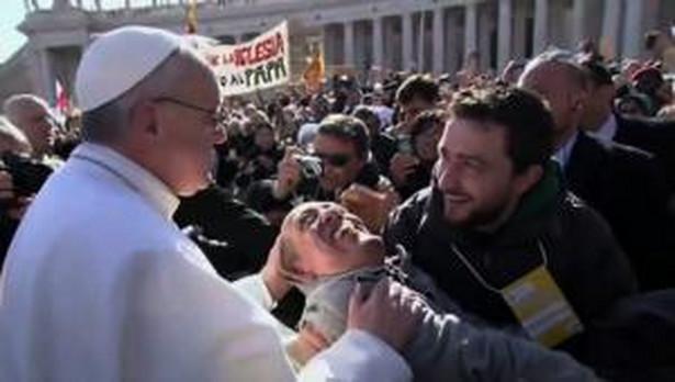 Papież zapewnił o swej modlitwie i duchowym udziale w żałobie