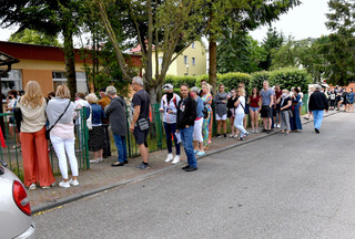 Tłumy w lokalach wyborczych nad morzem. Komisje zwróciły się o dodatkowe karty do głosowania