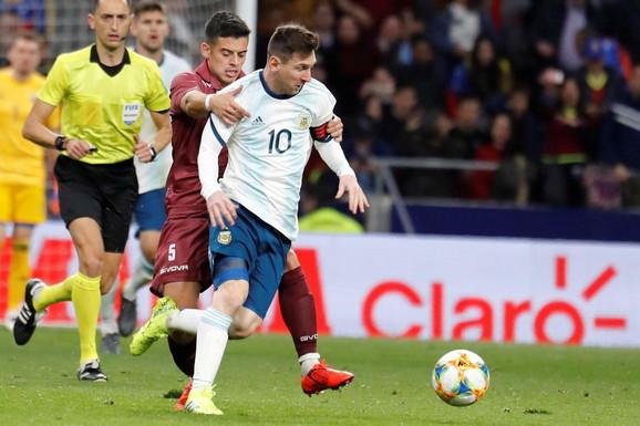Lionel Mesi na meču sa Venecuelom