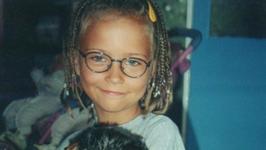 Ta mała dziewczynka to dziś piękna, polska modelka. Zmieniła się nie do poznania
