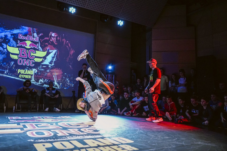 Gieras podczas Red Bull BC One Poland Cypher 2016 (fot. Gniewko Głogowski/Red Bull Content Pool)