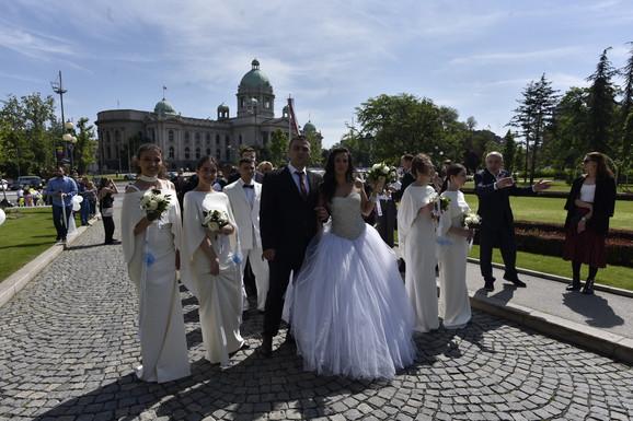Danas se venčalo više od 50 parova
