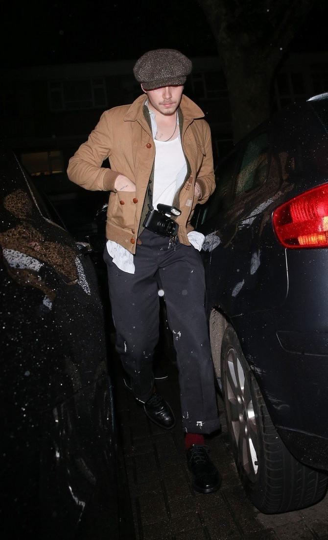 Bruklin odlazi na večeru gde je sreo Ritu Oru
