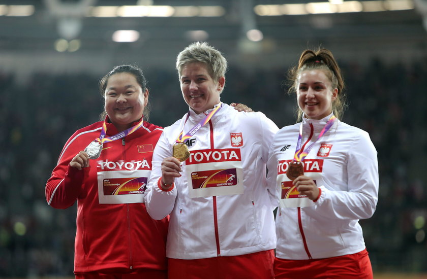Tak Włodarczyk i Kopron cieszyły się z medali