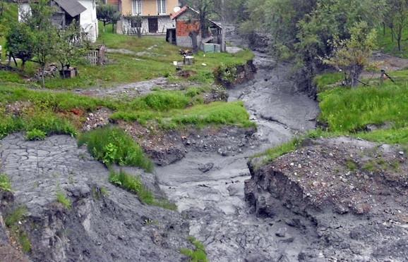 Sivi mulj pun otrova: Jalovina u Kostajniku
