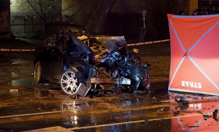 BMW z Teksasu rozbite w Łodzi. Są ofiary