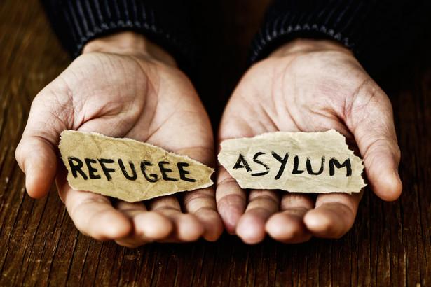 W ciągu ostatnich dwóch miesięcy, oprócz osób ubiegających się o azyl, pojawiło się ok. 400 tzw. wtórnych migrantów, którzy przybyli do Niemiec przez inne kraje UE