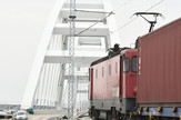 Novi Sad167 prelazak voza preko Zezeljevog mosta foto Nenad Mihajlovic