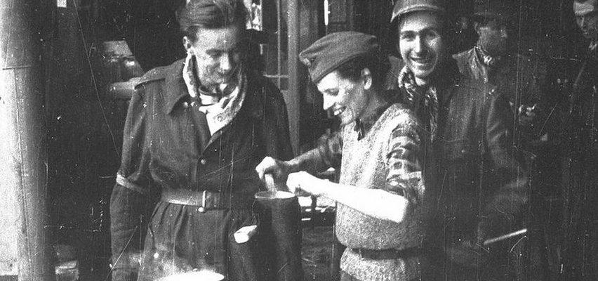 """Powstańcy walczyli nie tylko z Niemcami. """"Byliśmy głodni przez te sześćdziesiąt trzy dni"""""""