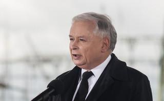Akcja Demokracja: W ramach protestu billboardy z cytatami z Lecha Kaczyńskiego i Jarosława Kaczyńskiego o KRS