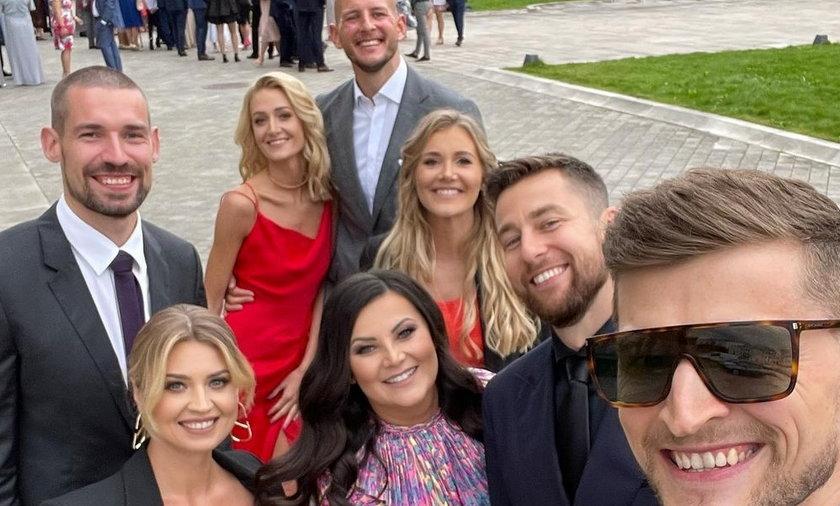 Polscy siatkarze w minionym tygodniu świętowali ślub Mateusza Bieńka.