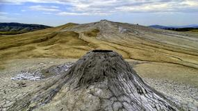 Wulkany błotne - księżycowy krajobraz w Rumunii