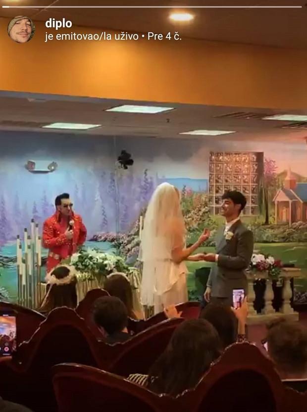 Detalj sa venčanja