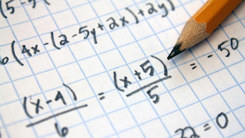 Ile jest 3+3+5*5? Sprawdź się z matematyki na poziomie podstawówki! -  Dziecko