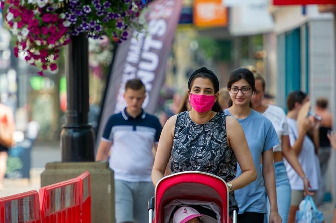Maske se moraju nosite u svim situacijama kada nije moguće držati fizičku distancu