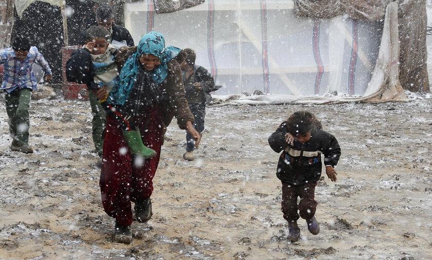 Zamarznięte zwłoki 15 uchodźców z Syrii na granicy z Libanem