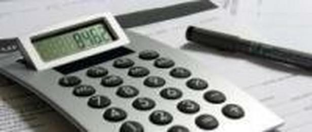 Osoba odpowiedzialna za złożenie zawiadomienia może zostać pociągnięta przez organ podatkowy do odpowiedzialności karnej na mocy art. 56 par. 1 kodeksu karnego skarbowego. Opisywany czyn jest zagrożony karą grzywny do 720 stawek dziennych albo karą pozbawienia wolności, albo obu karami łącznie.