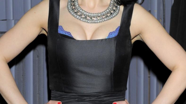 Kobiecość gwiazdy kabaretu wyraźnie rozkwitła ostatnimi czasy