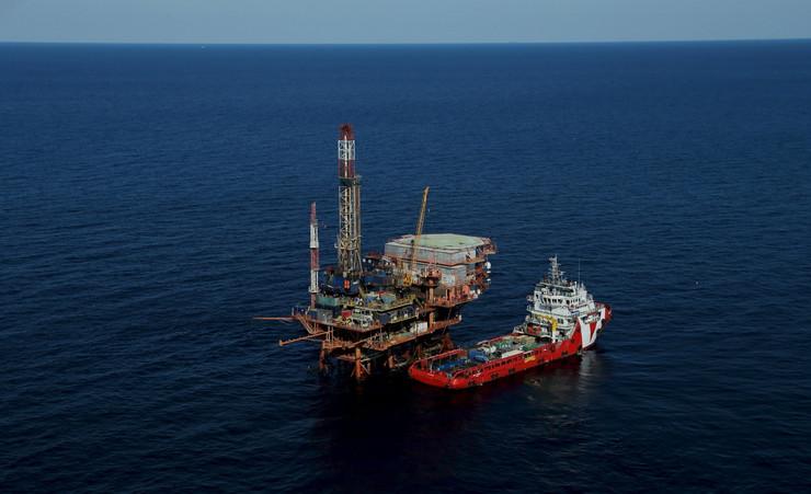 Pojeftinila nafta