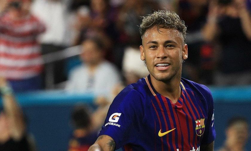 Neymar oficjalnie w Paryżu