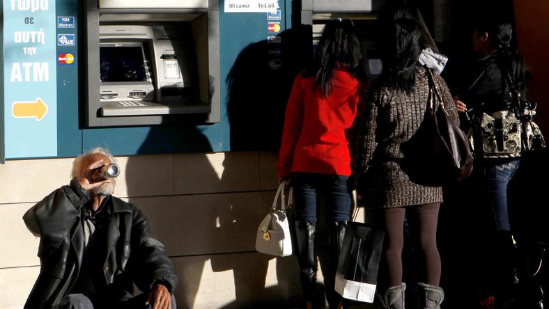 Sklepy na Cyprze wolą przyjmować gotówkę