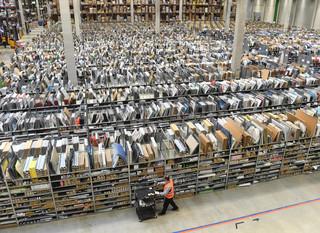 'Opaski badające wydajność pracowników'? Amazon wyjaśnia tajemnicę