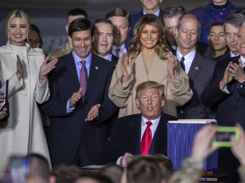 Ivanka, Donald i Melania Trumpowie
