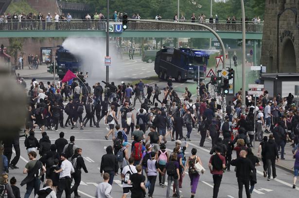 W wielu punktach Hamburga doszło do blokad ulic.