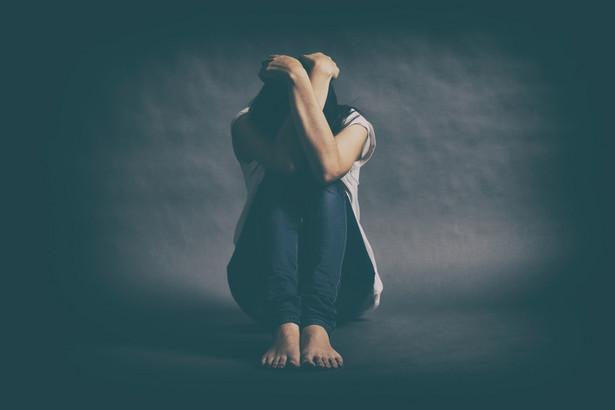 W przypadku świadczeń psychiatrycznych dla dorosłych rozszerzono definicję osoby prowadzącej psychoterapię, umożliwiając to również magistrom socjologii.