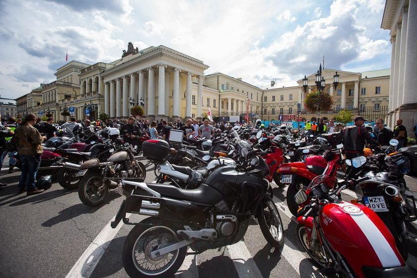 Motocykliści chcą jeździć po buspasach