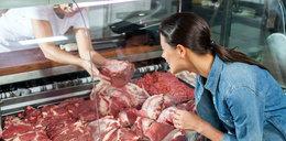 Wieprzowina w sklepach coraz tańsza. Będą dalsze spadki cen