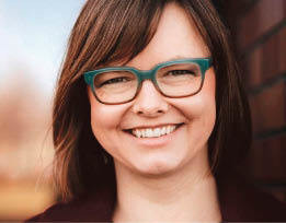 """Agata Twardoch zajmuje się budownictwem mieszkaniowym i alternatywnymi formami zamieszkania. W maju 2019 r. wyszła jej książka """"System do mieszkania. Perspektywa rozwoju dostępnego budownictwa mieszkaniowego""""."""