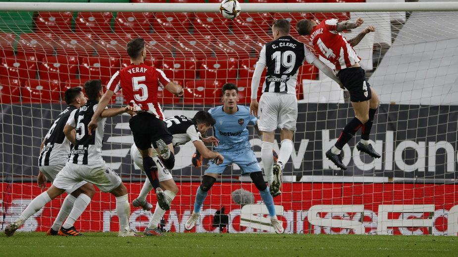 Athletic de Bilbao - Levante UD. Moment tuż przed zdobyciem wyrównującej bramki