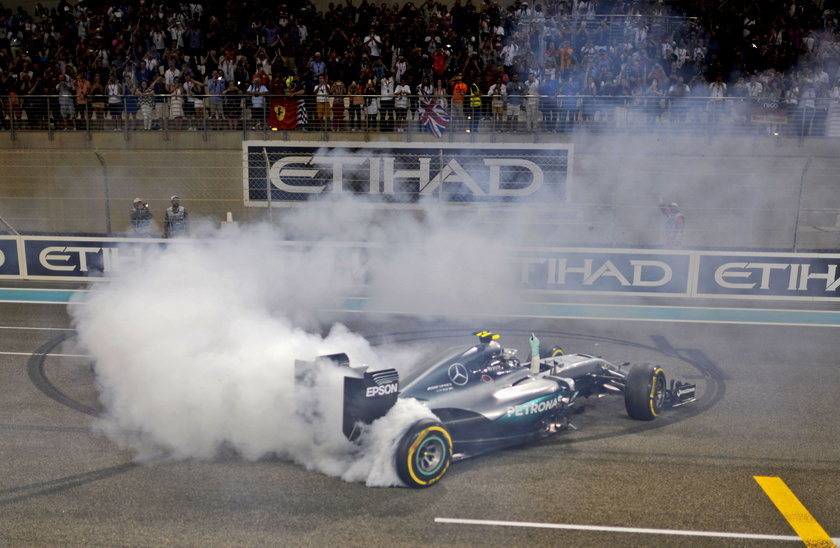 Nico Rosberg zdobył tytuł i zakończył karierę. Sensacja w Formule 1