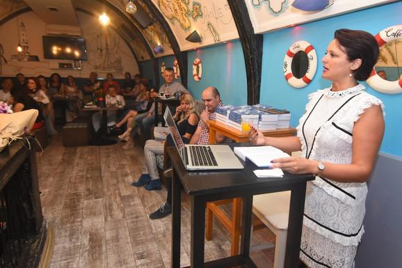 Jelica Dabović predstavila je knjigu u Novom Sadu