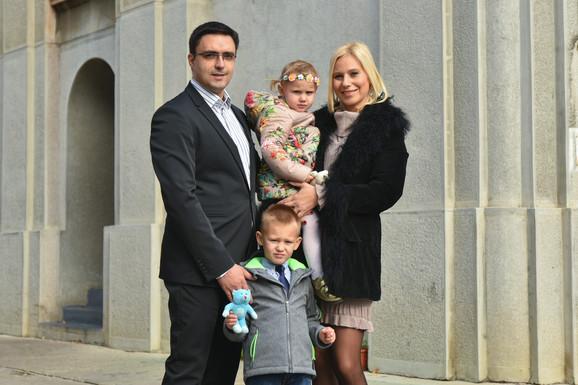 Marija Veljković sa porodicom