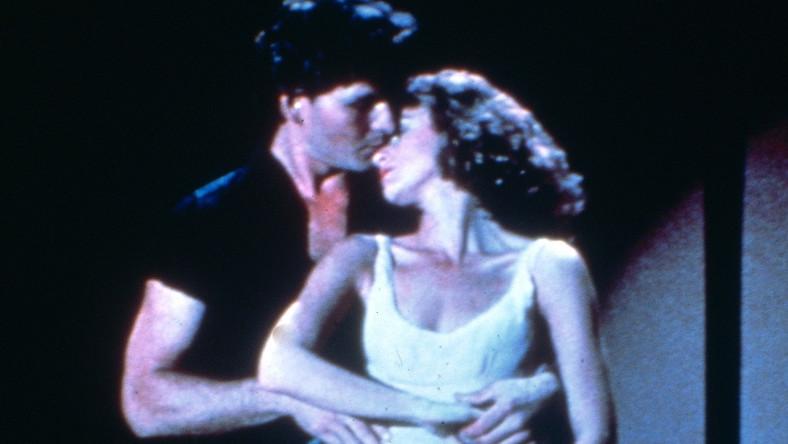 """Przygotowaniu reedycji ścieżki dźwiękowej do filmu towarzyszyło głosowanie internetowe na okładkę wydawnictwa. Fani """"Dirty Dancing"""" uznali niemal jednogłośnie, że płytę powinno ozdobić oryginalne zdjęcie użyte do promocji albumu z roku 1987"""