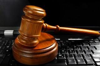 Spór o domenę internetową na drodze sądowej
