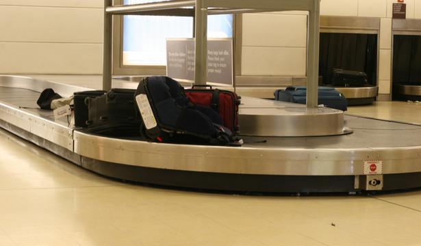 Taśma bagażowa na lotnisku