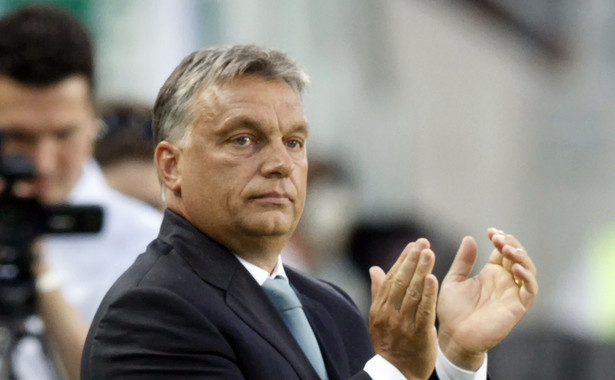 """Węgierska prasa: """"Burzliwa reelekcja"""" Tuska i rozczarowanie Polaków Orbanem"""