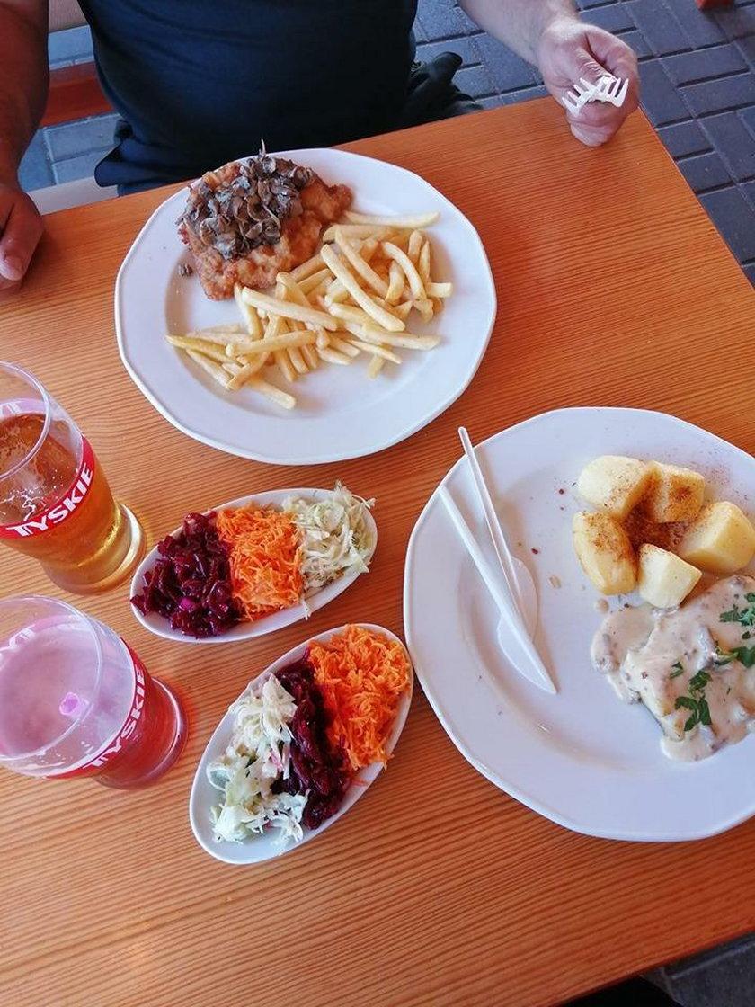 Drożyzna na wakacjach! Ile płaci się za obiad? Znamy ceny z całej Polski